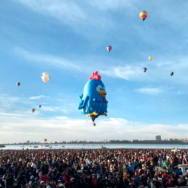 Balão Oficial da Galinha Pintadinha
